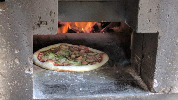 「双子屋」さんピザ